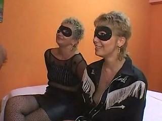 mother and daughter group fuck  orgia con mamma e
