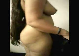 hawt indian pregnant bhabhi undress