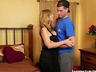 tookie lookalike woman jodi west bangs her son