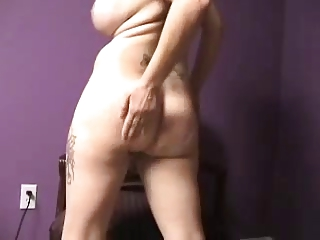 mature babe anal shake &; spread