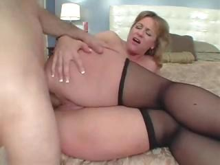 large butt mommy likes the butt fuck